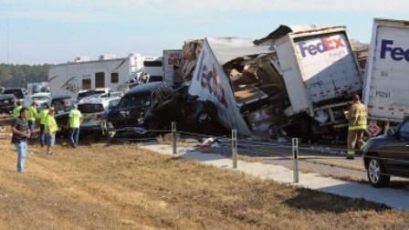 Texas Thanksgiving Accident 100-Car Pileup   San Fernando